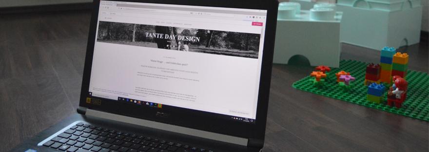 tante day design mama blog als vorschau auf laptop mit lego duplo im hintergrund